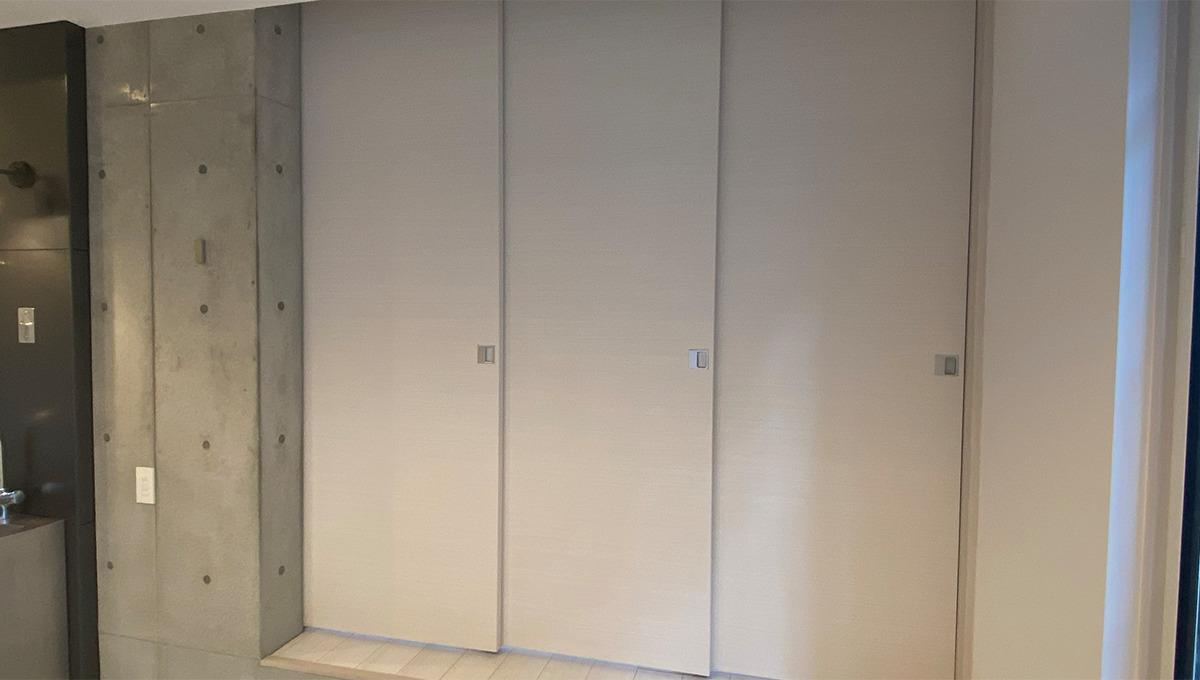 アレーロ大岡山の間仕切ドア