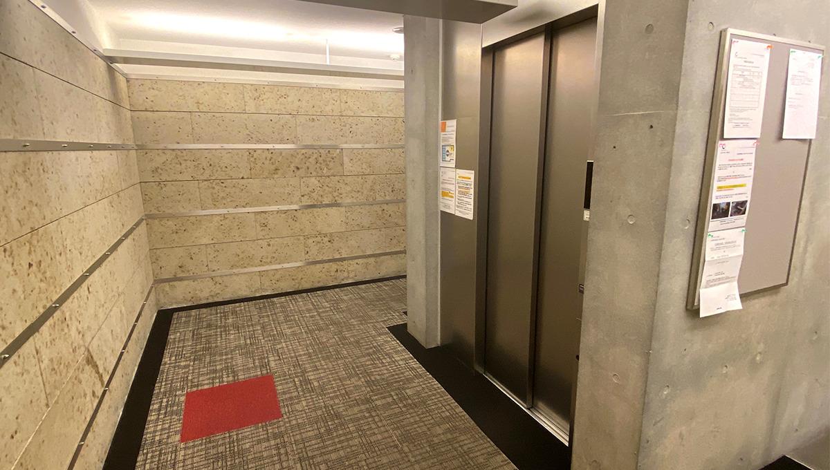 カスタリア中延(ナカノブ)のエレベーター
