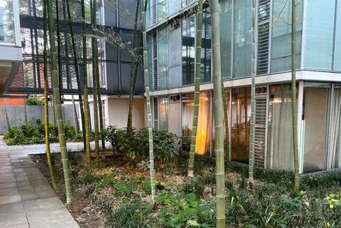 g-flat-courtyard1