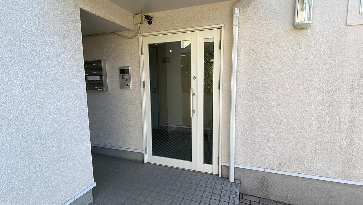 lumiere-senzoku-entrance