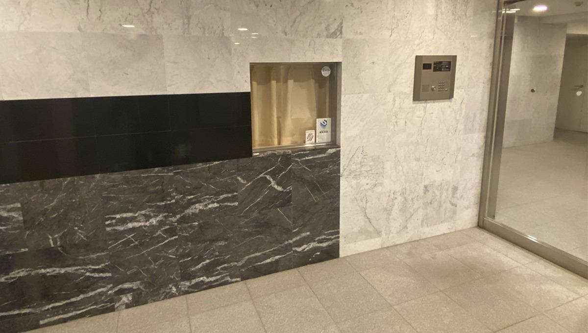 stella-court-senzoku-entrance-hall