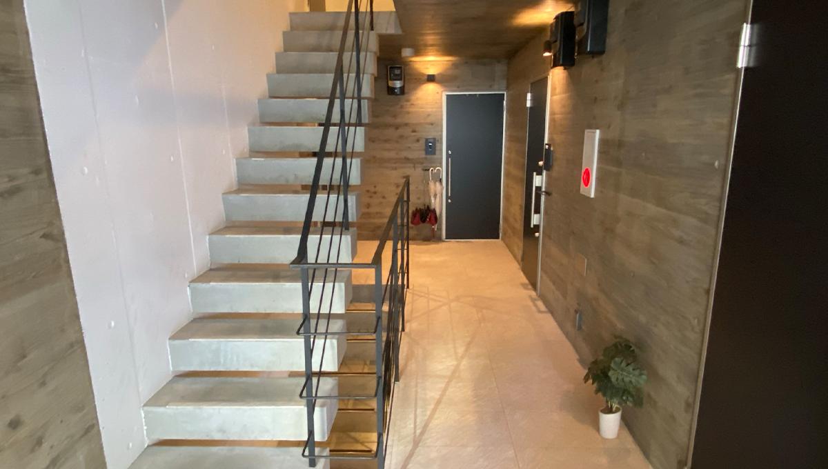 ステラ北千束(ステラキタセンゾク)の階段