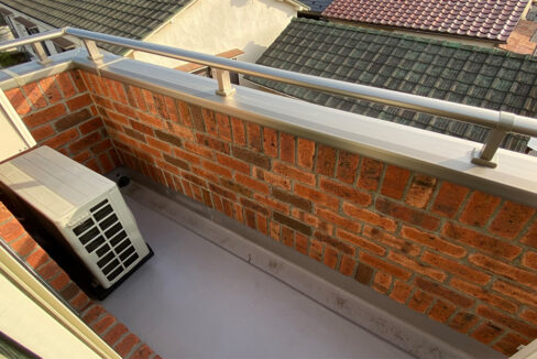 brick-shinagawa-balcony