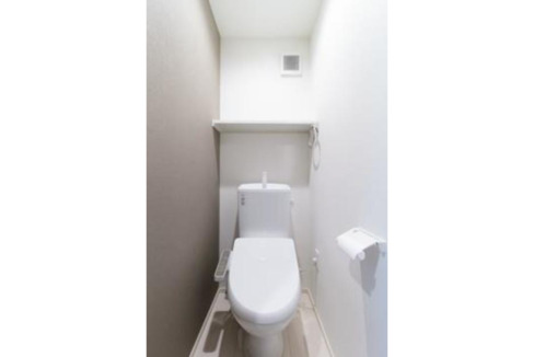 COLORE目黒本町(メグロホンチョウ)のウォシュレット付きトイレ