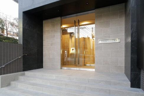 courtyard-senzoku-entrance
