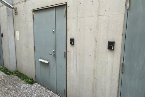 ガレージスペック武蔵小山(ムサシコヤマ)の玄関ドア