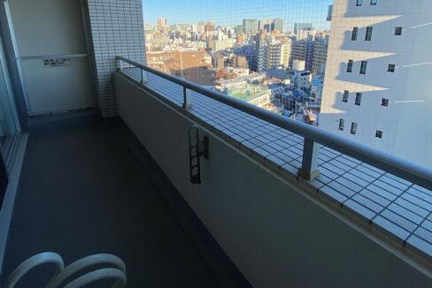 grande-maison-musashikoyama-balcony