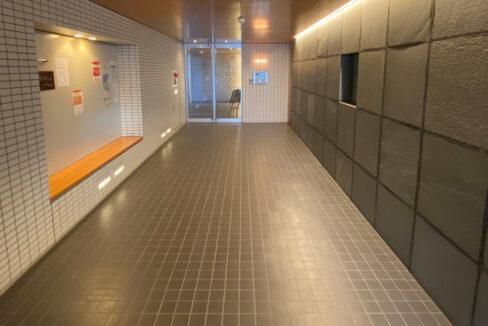 grande-maison-musashikoyama-entrance-hall