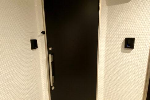 laxrass洗足(ラクラス洗足)のダブルロックの玄関ドア