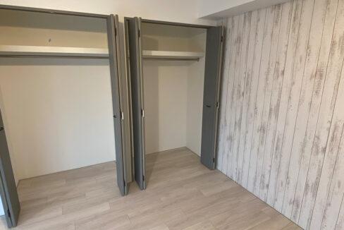 legaland-oimachi-bedroom-closet