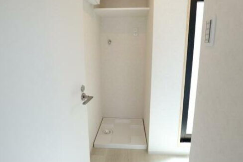 pino-higasinakanobu-washing-machine-storage
