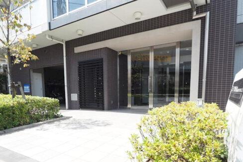 residia-nakanobu-entrance-aproach