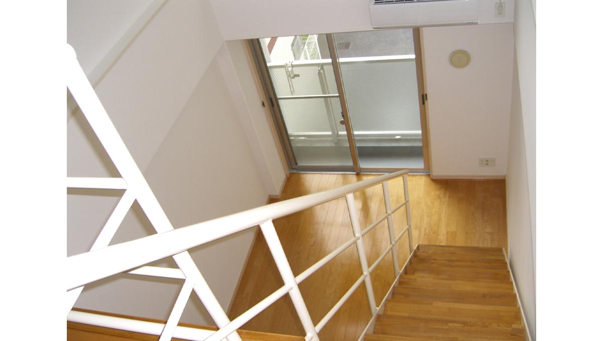 SPeC House 戸越( スペック ハウス トゴシ)の階段