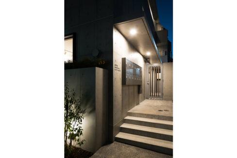spec-residence-kamiikedai-entrance-aproach