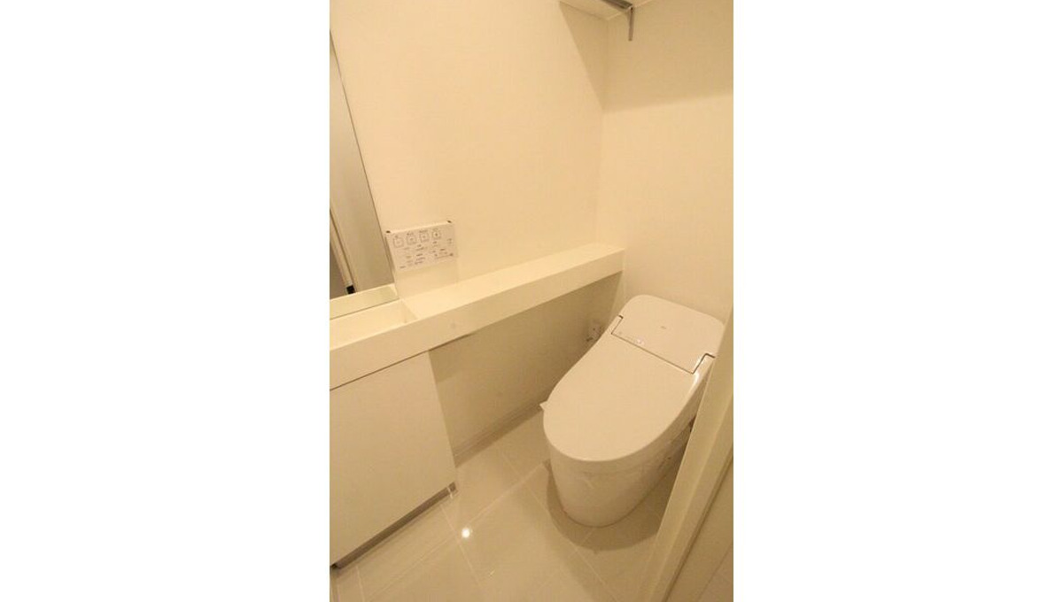 well-square-ism-musashikoyama-toilet