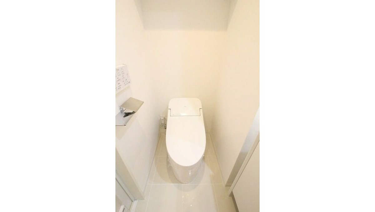 well-square-ism-musashikoyama-toilet1