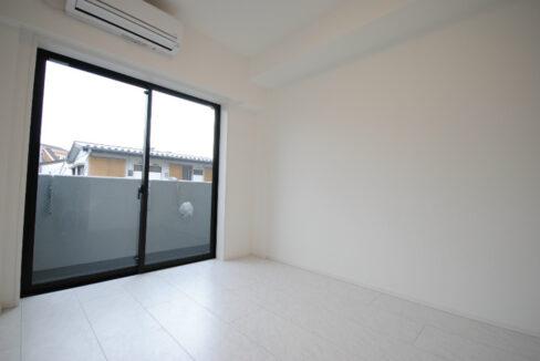 asylcourt-shinagwa-ebara-living-room2