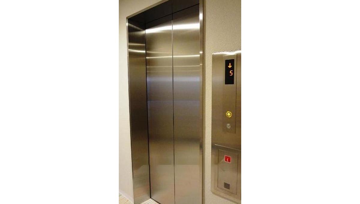 B CITY APARTMENT SHINAGAWA WEST(ビー シティ アパートメント シナガワ ウエスト)のエレベーター