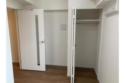 crevista-togoshi-koen-closet