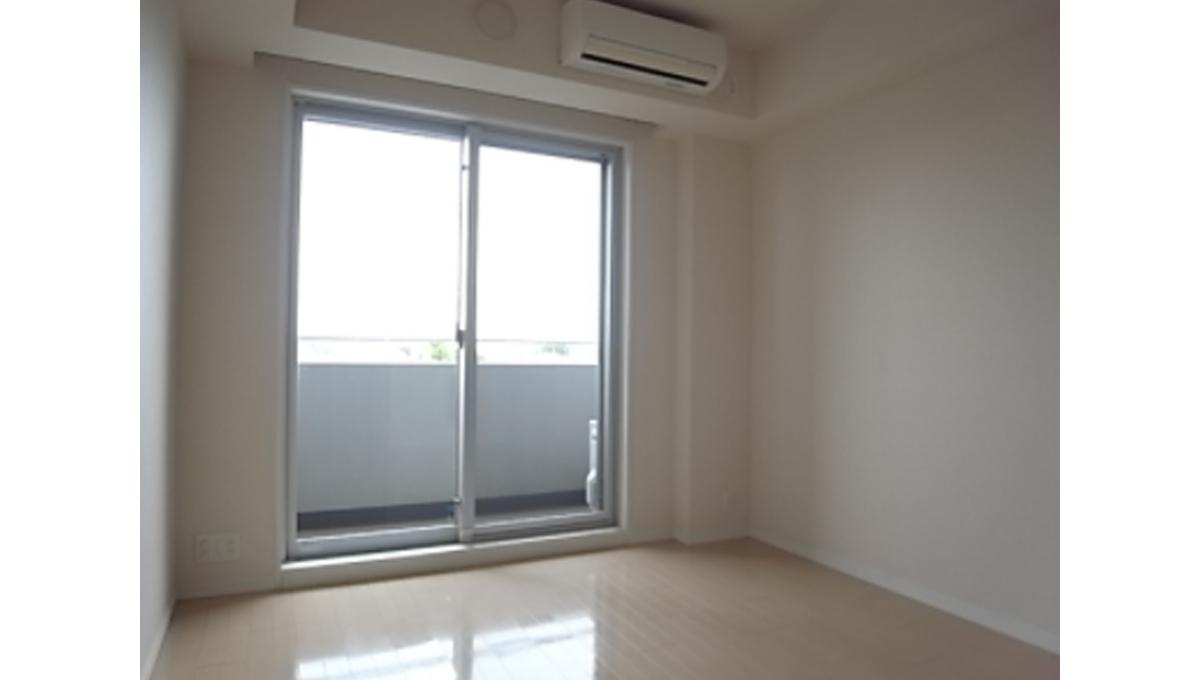 ecology-toritsudaigaku-residence-living-room1