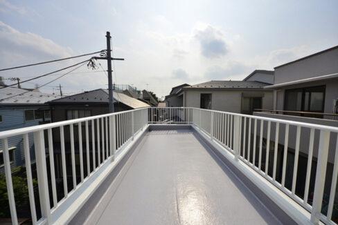 gran-eggs-senzokuike-balcony