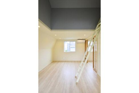 gran-eggs-senzokuike-living-room
