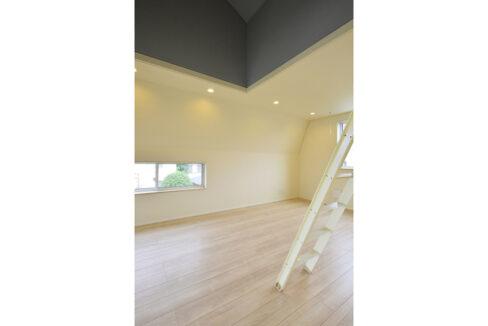 gran-eggs-senzokuike-living-room2