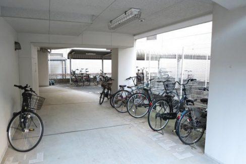 プライムアーバン長原上池台(ナガハラカミイケダイ)の駐輪場