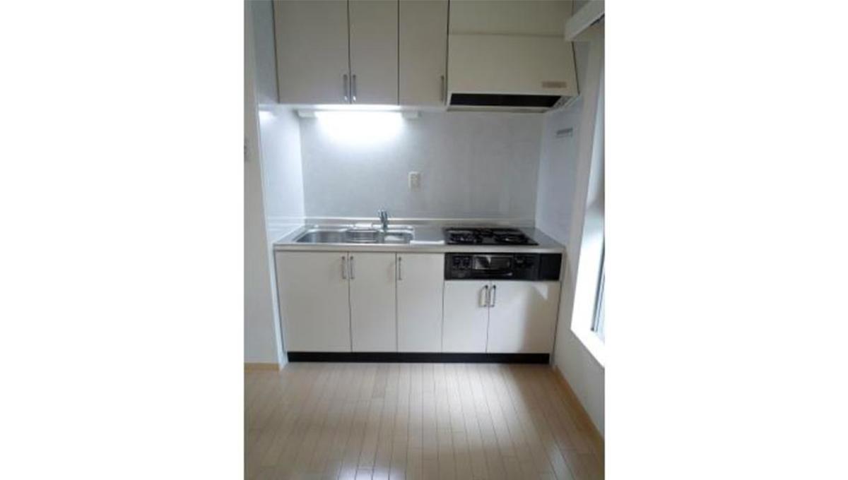 洗足第2マンション(センゾク)の3口ガスシステムキッチン