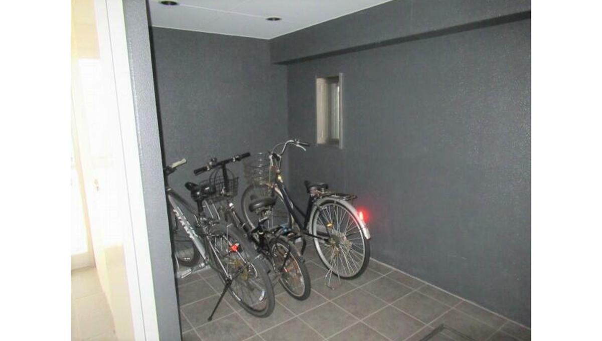 senzokukan-bycycle-parking