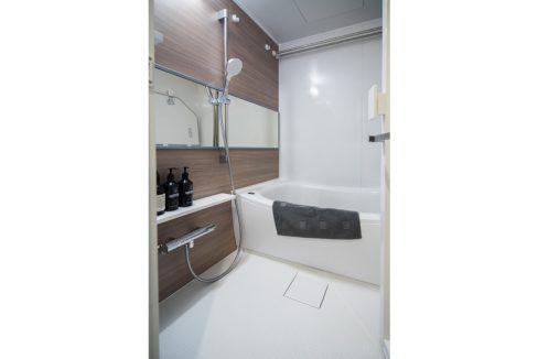 shoei-togoshi-mansion-bathroom