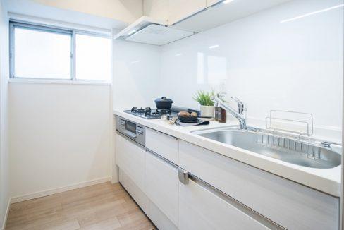 shoei-togoshi-mansion-kitchen