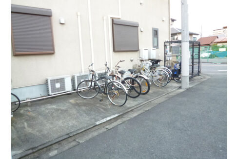 sunnyhill-biverly-bicycle-parking