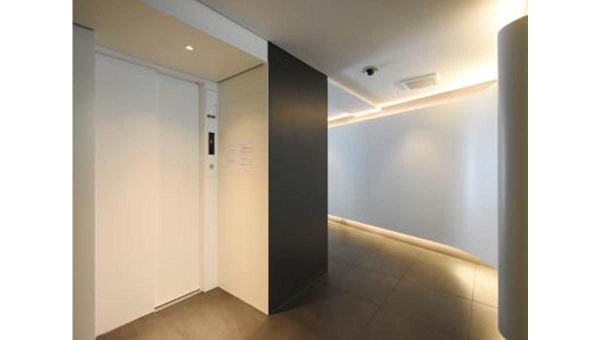 アパートメンツ都立大学(トリツダイガク)のエレベーター