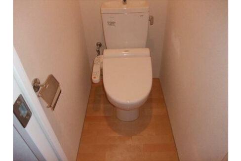 ブランシェ西小山(ニシコヤマ)のウォシュレット付トイレ