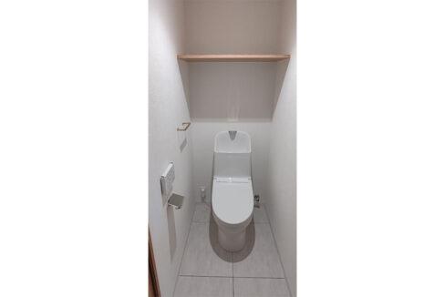 ドミールDuo自由が丘(ジユウガオカ)のウォシュレット付トイレ