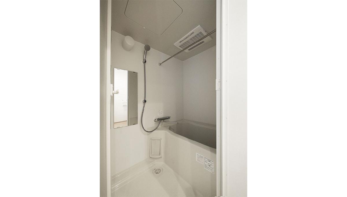 E-1(イーワン)のバスルーム