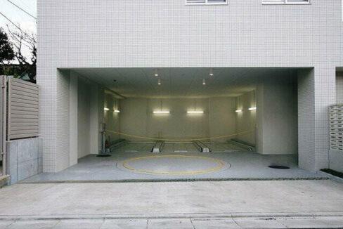 エスティメゾン都立大学(トリツダイガク)の駐車場