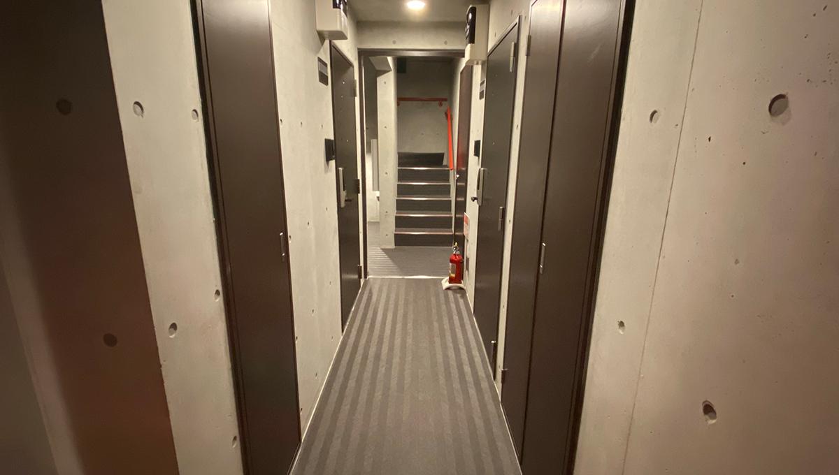 フェリオ南千束(ミナミセンゾク)の内廊下