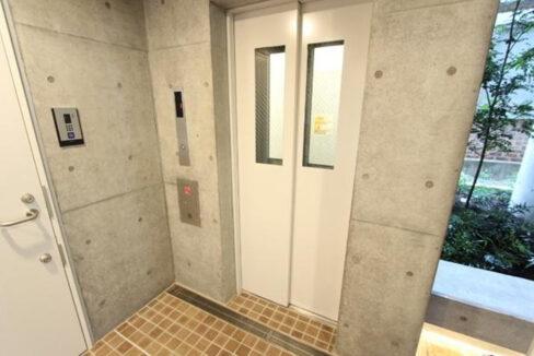 フラッツ奥沢エイト(オクサワ)のエレベーター