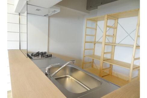 旗ヶ岡アパートメント(ハタガオカ)の3口ガスカウンターシステムキッチン