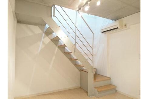 KDXレジデンス自由が丘(ジユウガオカ)の階段