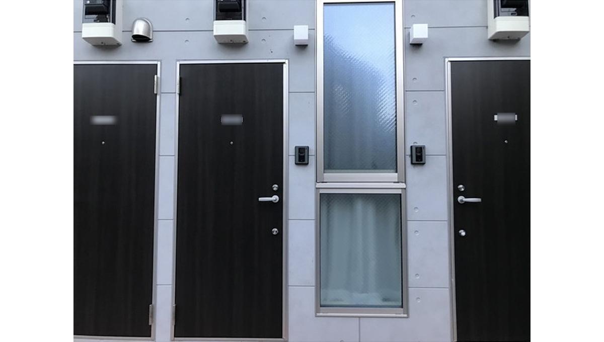 キューエル緑が丘(ミドリガオカ)の玄関ドア