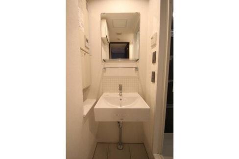 LAPiS目黒本町(ラピスメグロホンチョウ)の独立洗面化粧台