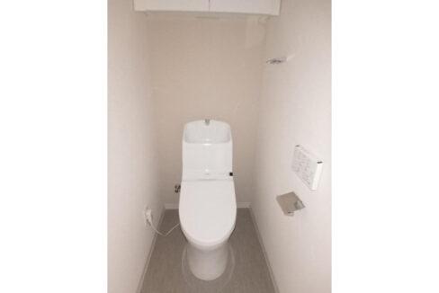 ライオンズヴィアーレ荏原中延(エバラナカノブ)のウォシュレット付トイレ