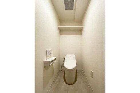 目黒本町マンション(メグロホンチョウ)のタンクレストイレ