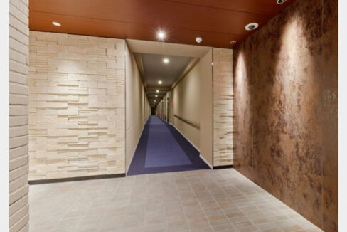 レジディア西小山(ニシコヤマ)の内廊下