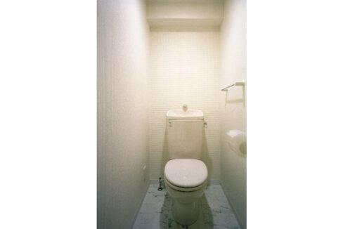 selene-jiyugaoka-toilet