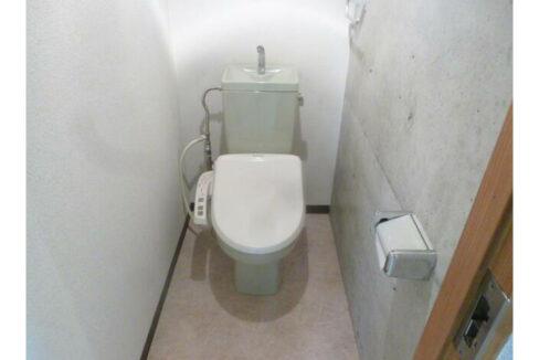 ソレイユ自由が丘(ジユウガオカ)のウォシュレット付トイレ