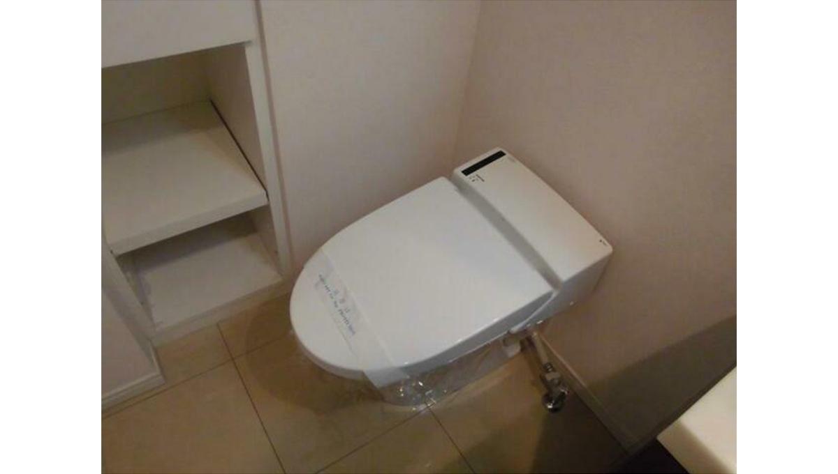 エスアール自由が丘(ジユウガオカ)のタンクレストイレ